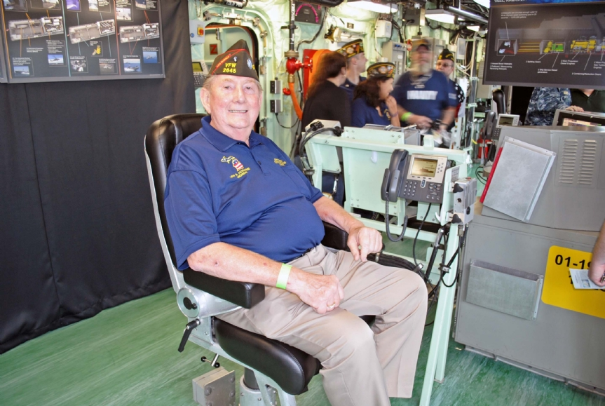 Commander in the Captain's chair