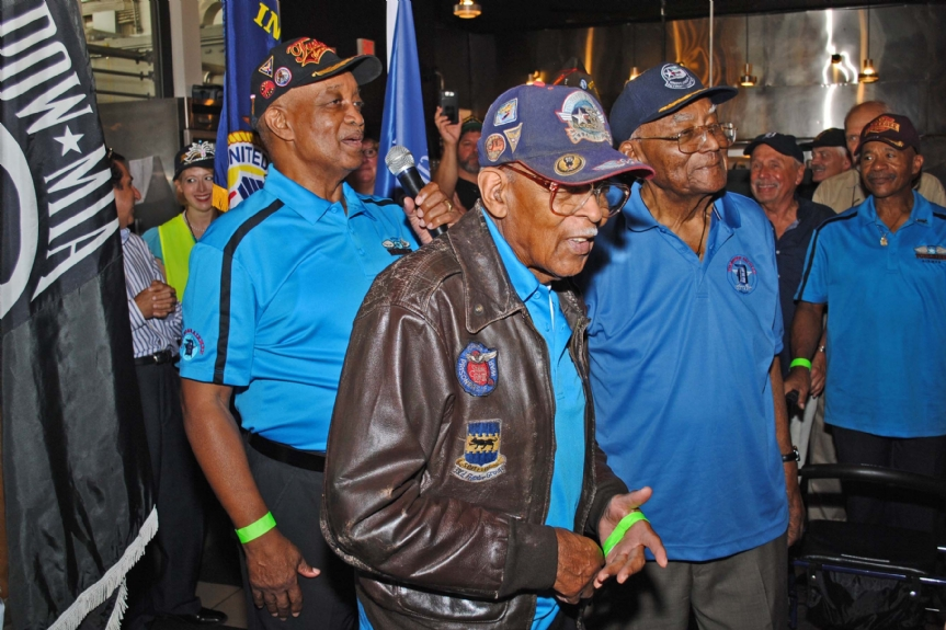 2 original members of the Tuskegee Airmen