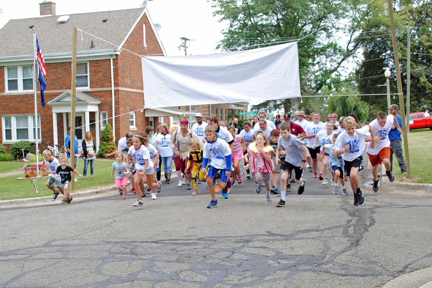 Kids starting the .1K run.